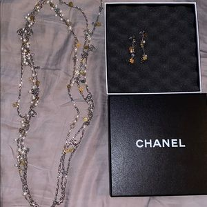 CHANEL pearl necklace with matching earrings